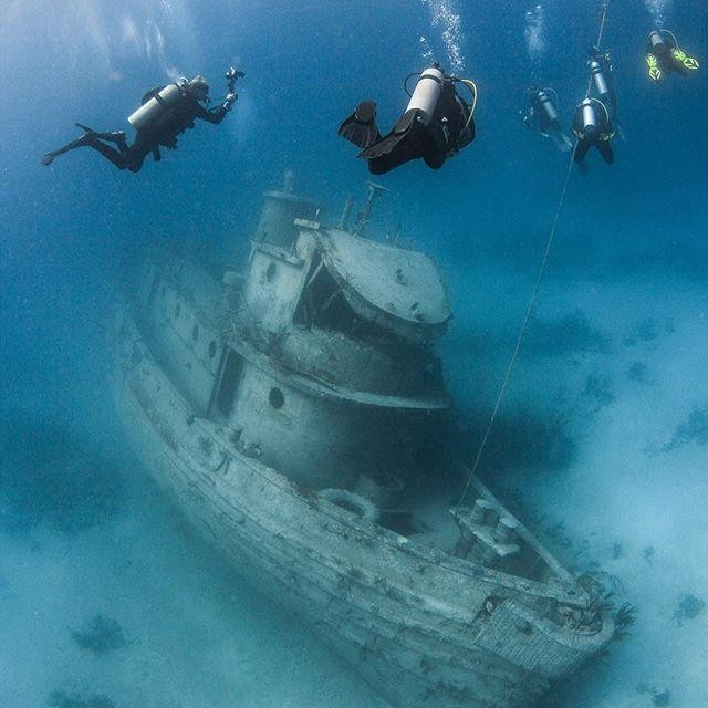 Scuba diving, The Anthony Bell Wreck, Nassau Paradise Island, The Bahamas
