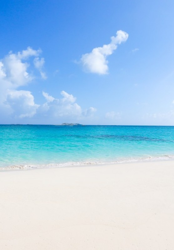 Sandy Toes Rose Island is a stunning secluded beach in The Bahamas.